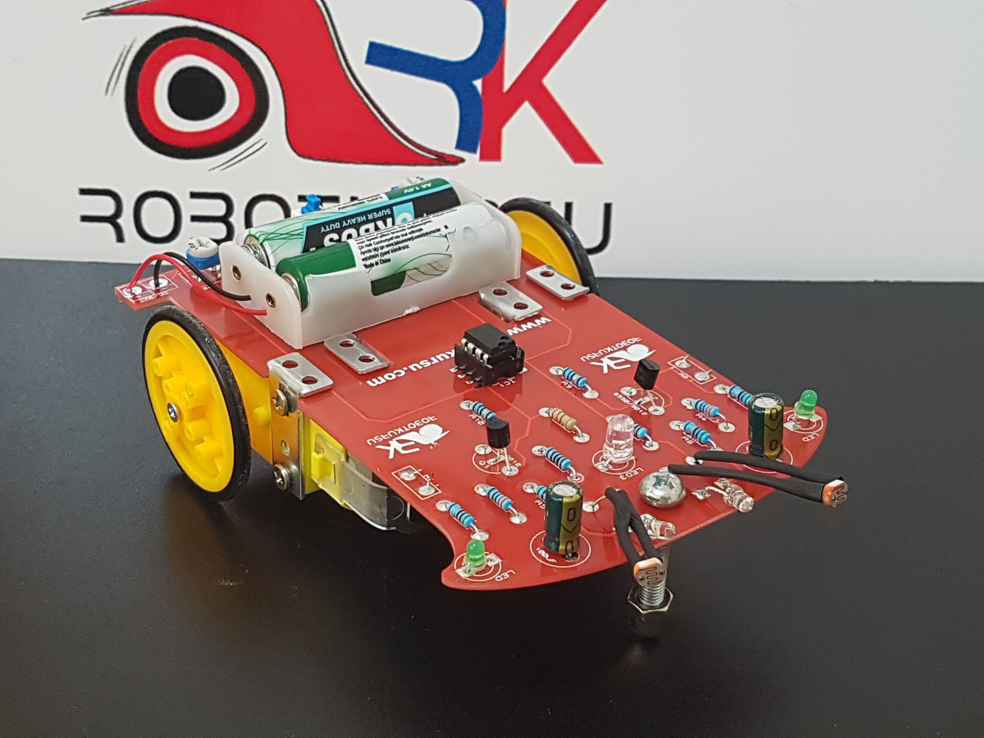 Yeni Işık İzleyen Robot
