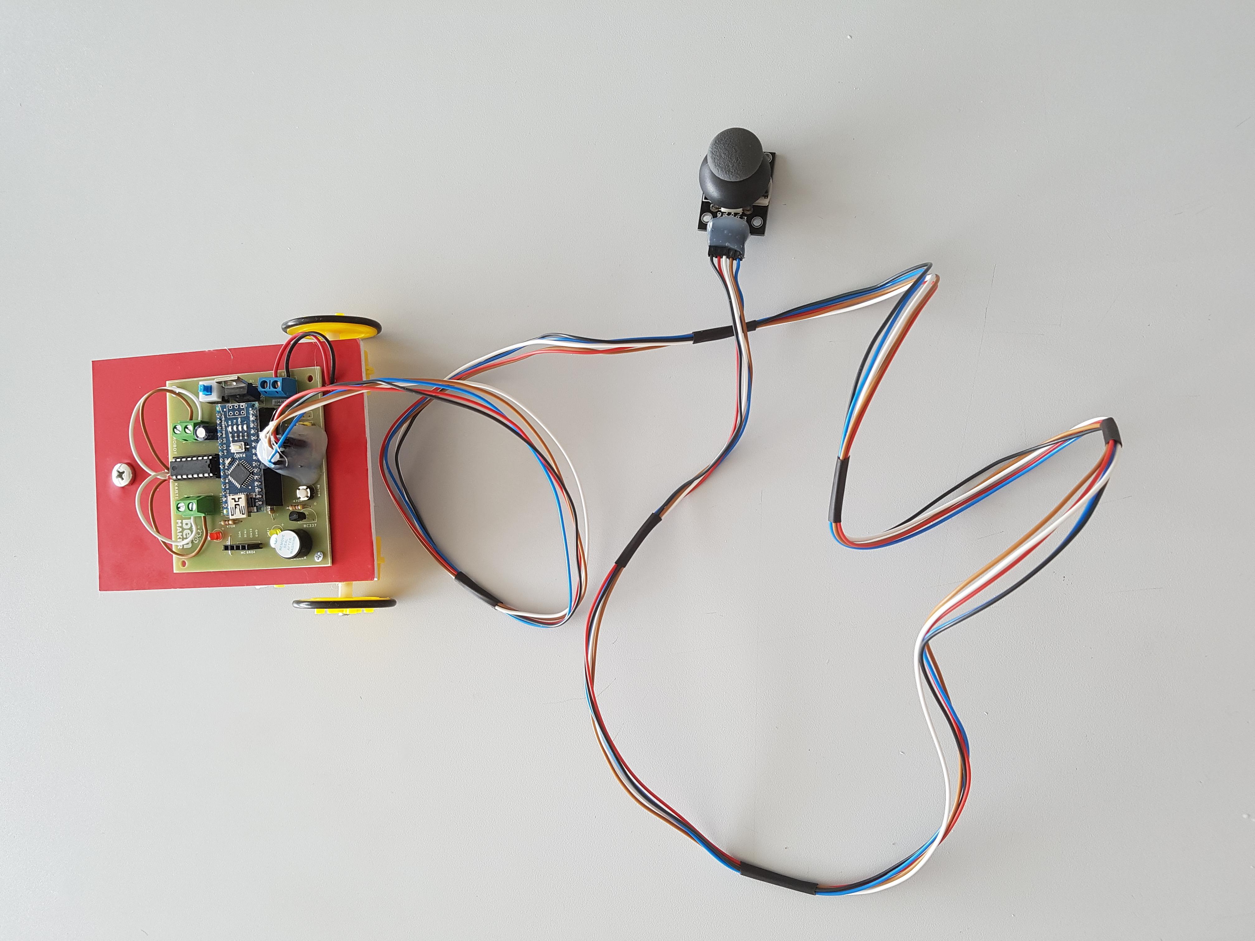 Joystick kontrollü robot